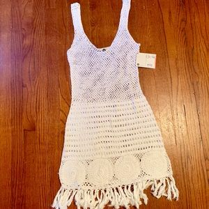 Rich white knit swim cover up Large